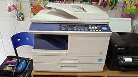 impresora y fotocopiadora SHARP AL 2050 CS