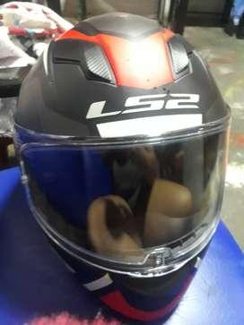 Se vende casco como nuevo