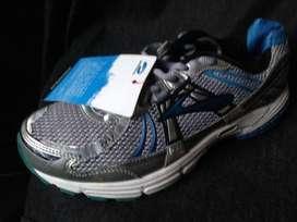 Zapatillas BROOKS nuevas Talla 10.5 Adrenaline Traida de Usa