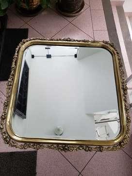 Espejo de bronce labrado