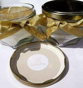 Vela presentación de vidrio tapa dorada