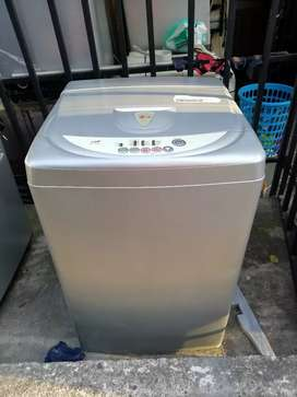 Lavadora LG 15 Libras con garantía