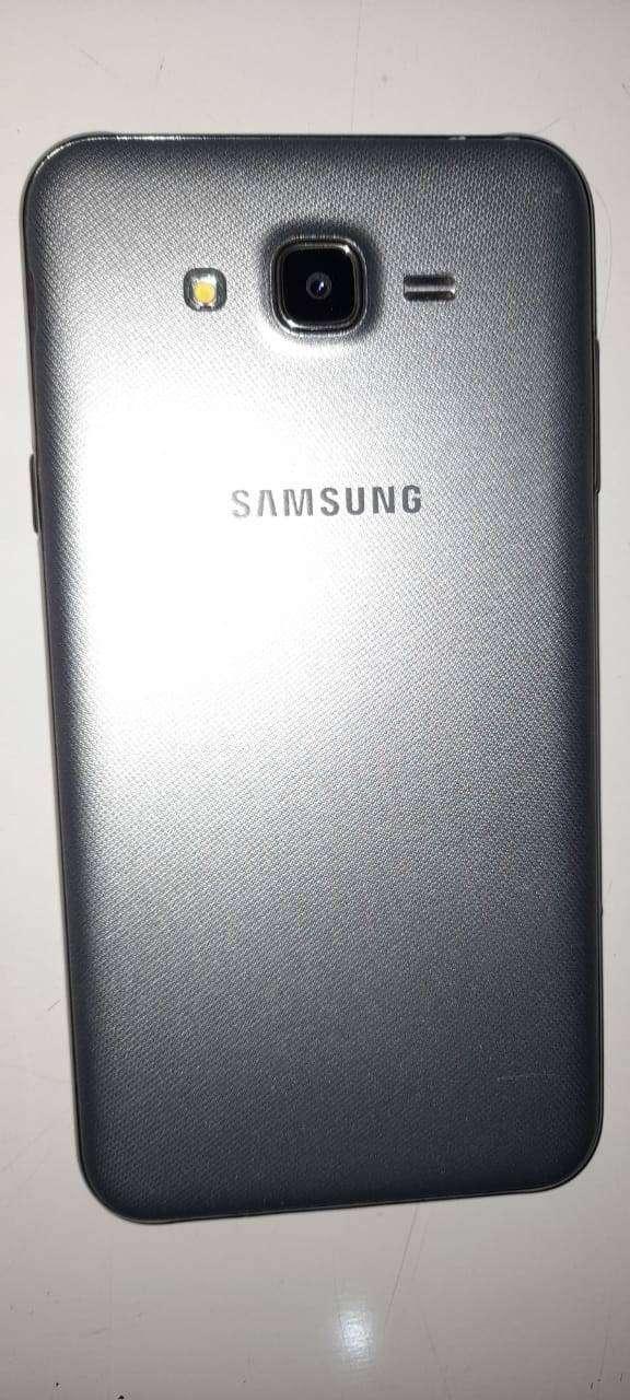 Vendo Samsung j7 0