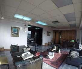 Venta de Oficina con 3 Frentes Zona Universidad Guayaquil