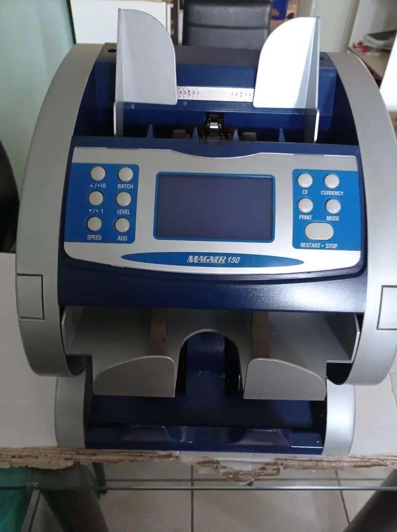 Maquina contadora de billetes 0