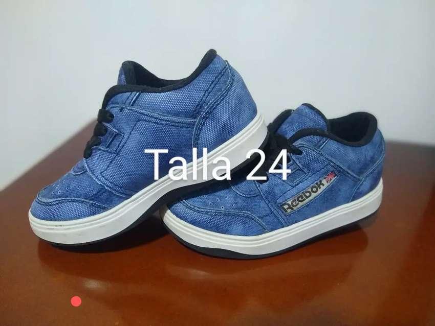 Zapatos en buen estado para niño