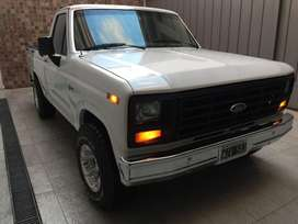 Ford F100 Ranger Americana Edelbrock V8