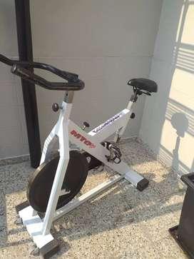 Bicicleta fija Silvano