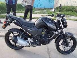 Moto yamaha fz16 color negro