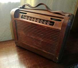 ANTIGUA RADIO VALVULAR PHILCO 46-350 USA segunda mano  Saavedra, Capital Federal