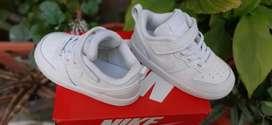 Zapatillas Nike Burough Low 2