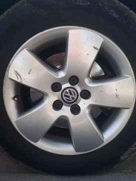 Vendo 2 Llantas VW BORA R 15 (Usadas)
