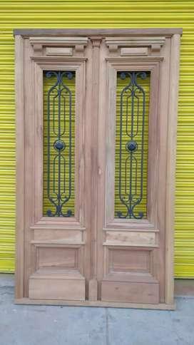 Puertas de maderas y hierro tipo antiguo o colonial