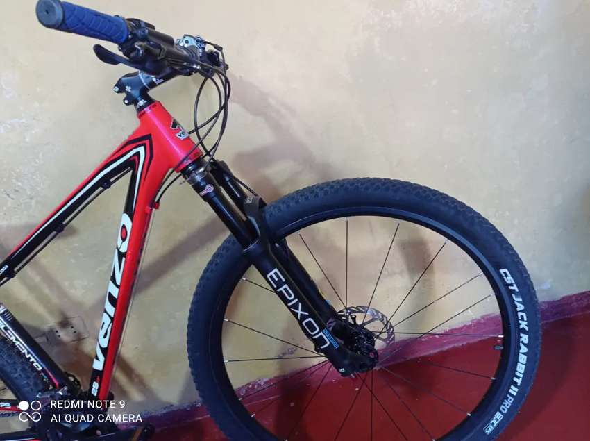 Bicicleta aro 29' marca Venzo 0