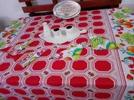 Manteles con servilletas para mesa de 4 sillas NUEVOS