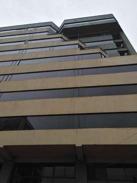 Oficina de Venta en la Av. Colon en Quito