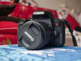 Camara digital Canon Rebel T7i