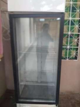 Se vende refrigerador para cerveza