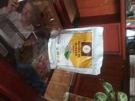 Se vende harina de platano organico.