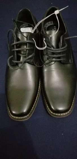 Vendo zapatos #9 Perry Ellis Portfolio $45 Neg.