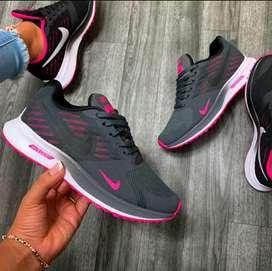Nike Training Dama