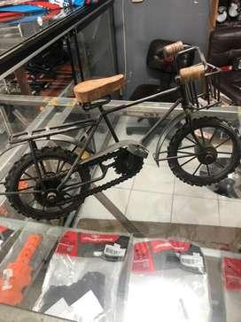 Vendo bicicleta de adorno antigua