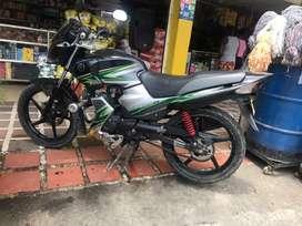 Vendo moto ybr125 solo tarjeta negociable