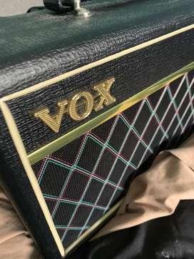 Vendo bajo Cort Action DLX Plus activo y pasivo 10/10 + amplificador Vox Pathfinder Bass 10