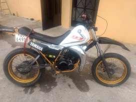 Vendo moto Yamaha DT 185