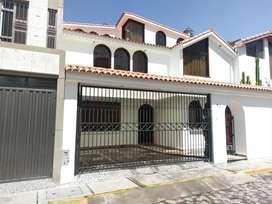 SE ALQUILA CASA DE 3 PISOS EN LOS ANGELES DE CAYMA - #A543