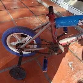 Bici niño con rueditas