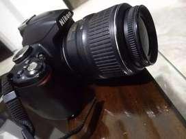 Cámara Nikon D3000 excelente estado