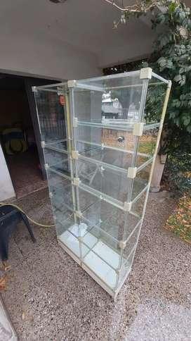 Exhibidor de vidrio