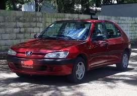 Vendo Peugeot 306. Versión XR 1.8. AÑO  1999