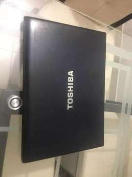 Vendo computador portátil  toshiba portege r705-p41.
