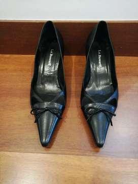 Zapatos Negros Marca Lk Bennet Talla 36 Taco 5