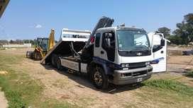 Camion con camilla P/equipos pesados e Hidrogrua