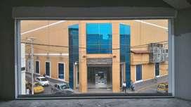 Local comercial en 2do piso cerca a Plaza de Armas.
