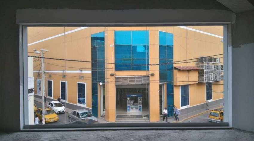 Local comercial en 2do piso cerca a Plaza de Armas. 0