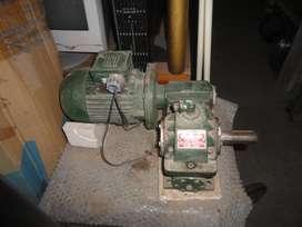 Motorreductor 0,33 HP trifasico