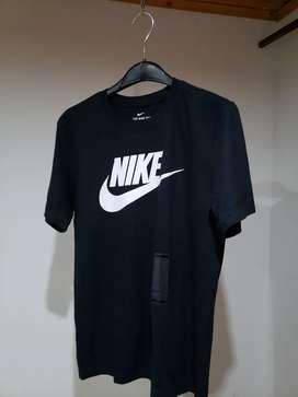 Camiseta nike negra S envio gratis