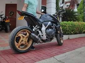 Moto Honda CB1000r 2011 Yoshimura