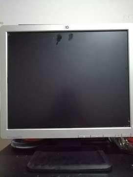 """Se vende monitor Hp 17 """" en buen estado"""