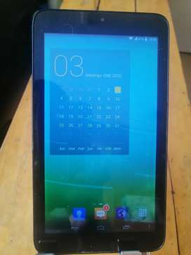 Talblet Alcatel one Touch 2gb sim card  pantalla manchitas android 4.4.2 ..radio