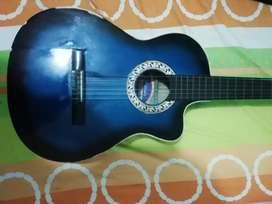 Guitarra en buen estado, precio negociable