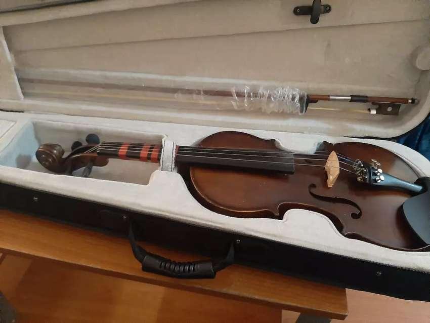 Violin 3/4 con estuche y pez 0