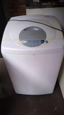 Vendo lavadora marca samsung de 14 lb con 3 meses de garantia