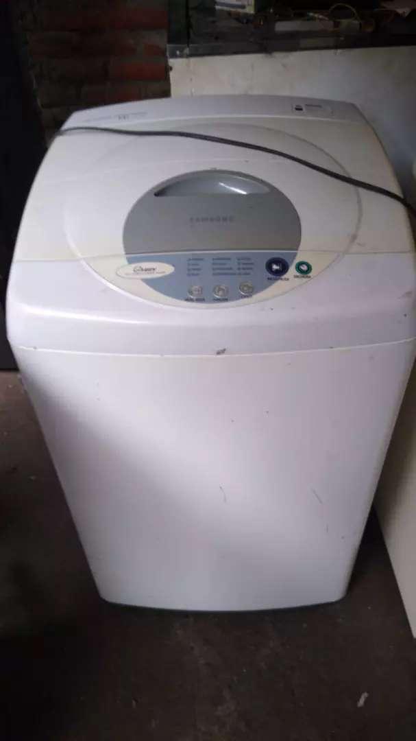 Vendo lavadora marca samsung de 14 lb con 3 meses de garantia 0