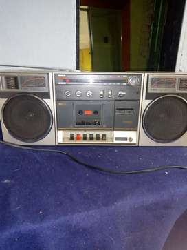 Radio  con parlantes desmontable
