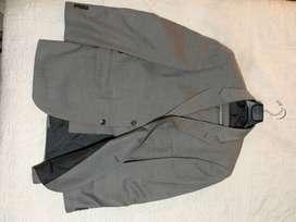 Seis vestidos para caballero ARTURO CALLE, talla 40 como nuevos
